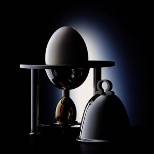 Covered egg-cloche with salt shaker