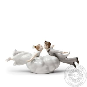 Wedding in the air Couple Figurine