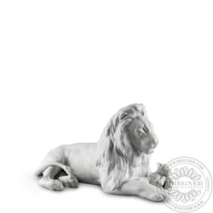Lion with Cub Figurine
