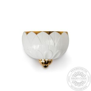 Ivy & Seed Wall Sconce. White and Gold. (CE/UK)